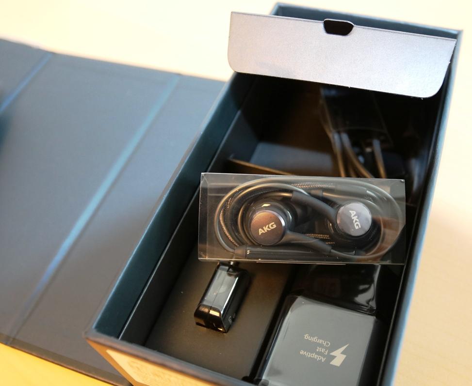 Samsung Galaxy S9 și S9+ unboxing